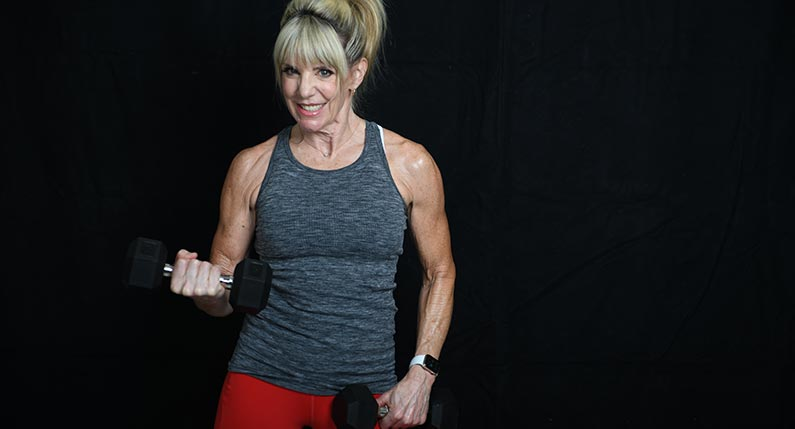 Keli Roberts - virtual PT - lifting weights